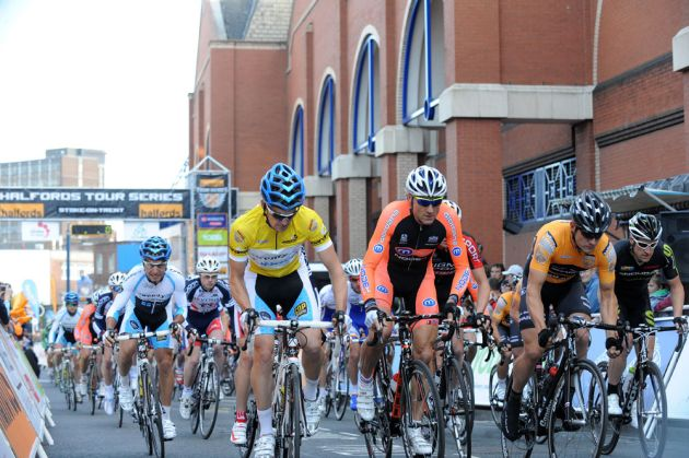 Start, Tour Series 2011, round 5, Stoke-on-Trent