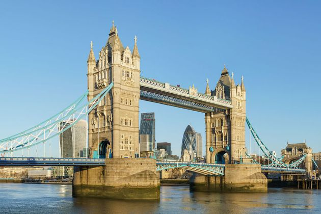 1200px-tower_bridge_from_shad_thames