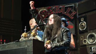 Joey Jordison accepting his Golden God award