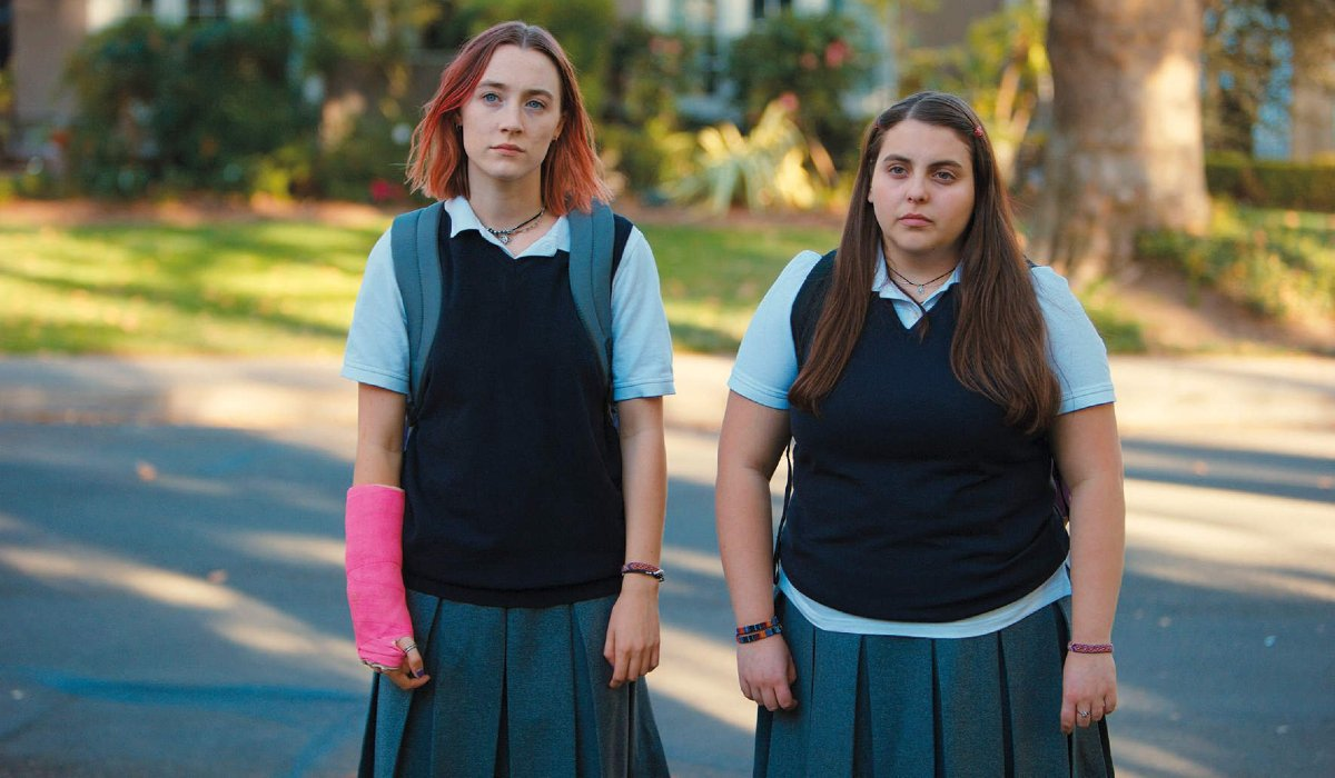 Lady Bird Saoirse Ronan and Beanie Feldstein walking home in school uniforms