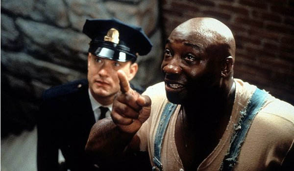 The Green Mile Michael Clarke Duncan points something out to Tom Hanks