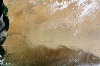 sahara-dust-storm-110509-02