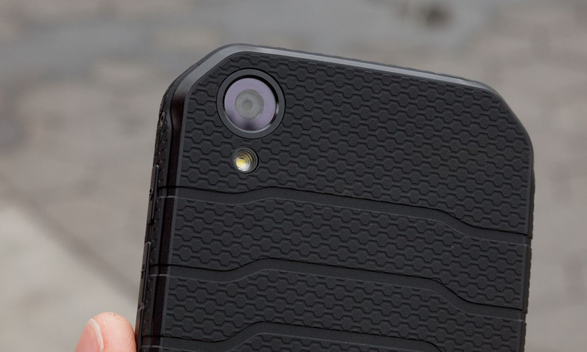 Cat S41 Review: The Phone Endures, the Camera Does Not | Tom's Guide