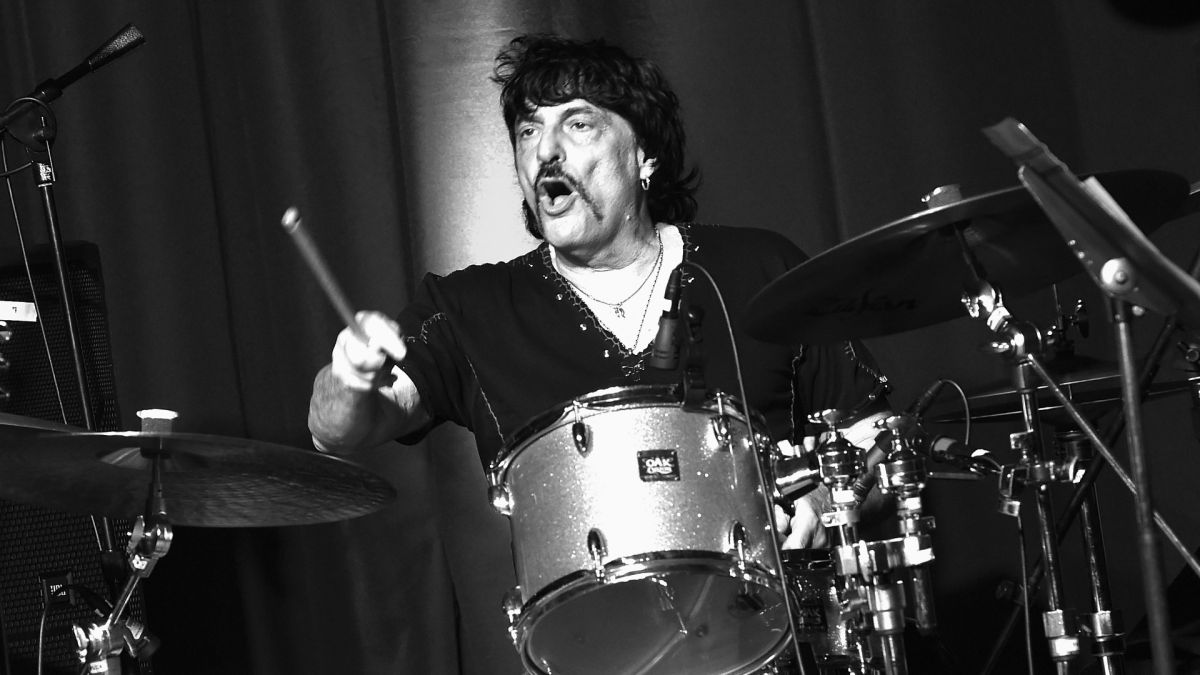 Carmine Appice on how John Bohnam 'borrowed' his fills from Vanilla Fudge
