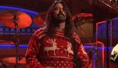 Saturday Night Live: Watch Foo Fighters' Delightful Christmas Medley