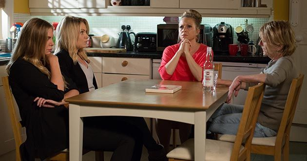 Linda Carter, Shirley Carter, Ronnie Mitchell and Roxy Mitchell
