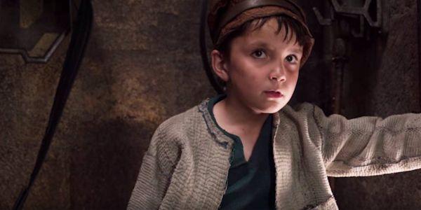 Star Wars The Last Jedi broom kid