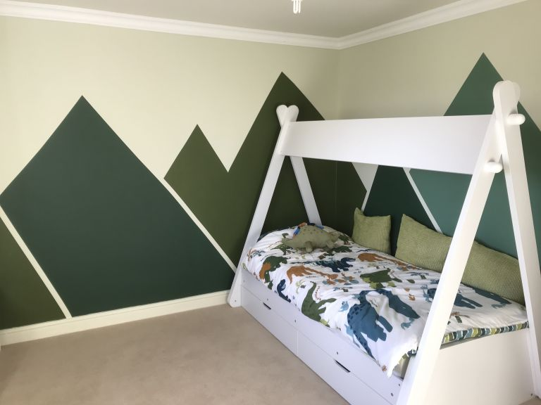 Easy paint idea for a kid's bedroom
