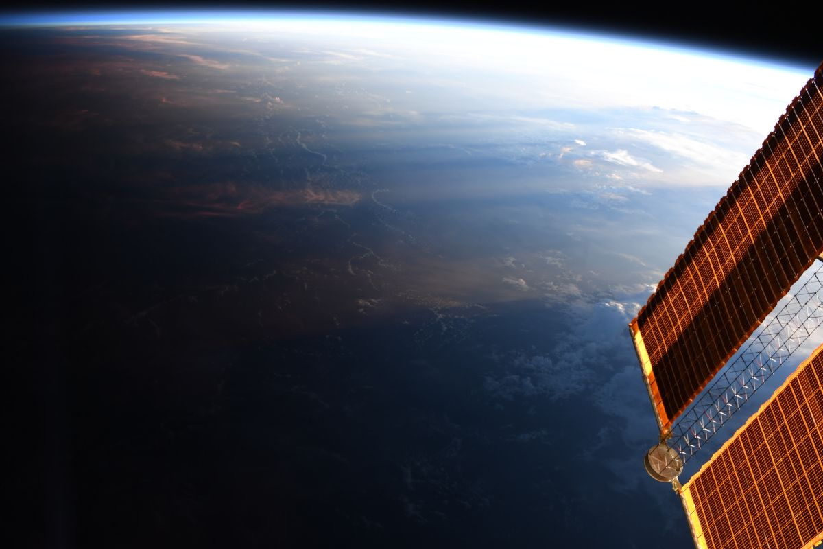 Day Meets Night in This Amazing Astronaut Photo of Earth