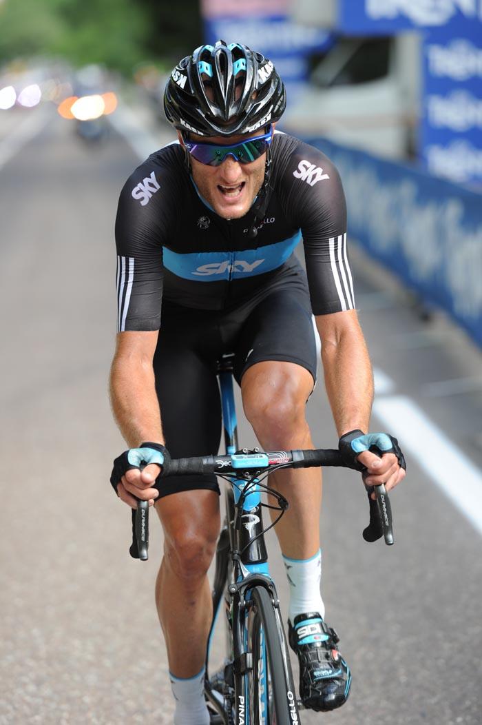 Steve Cummings chases, Giro d'Italia 2010, stage 17