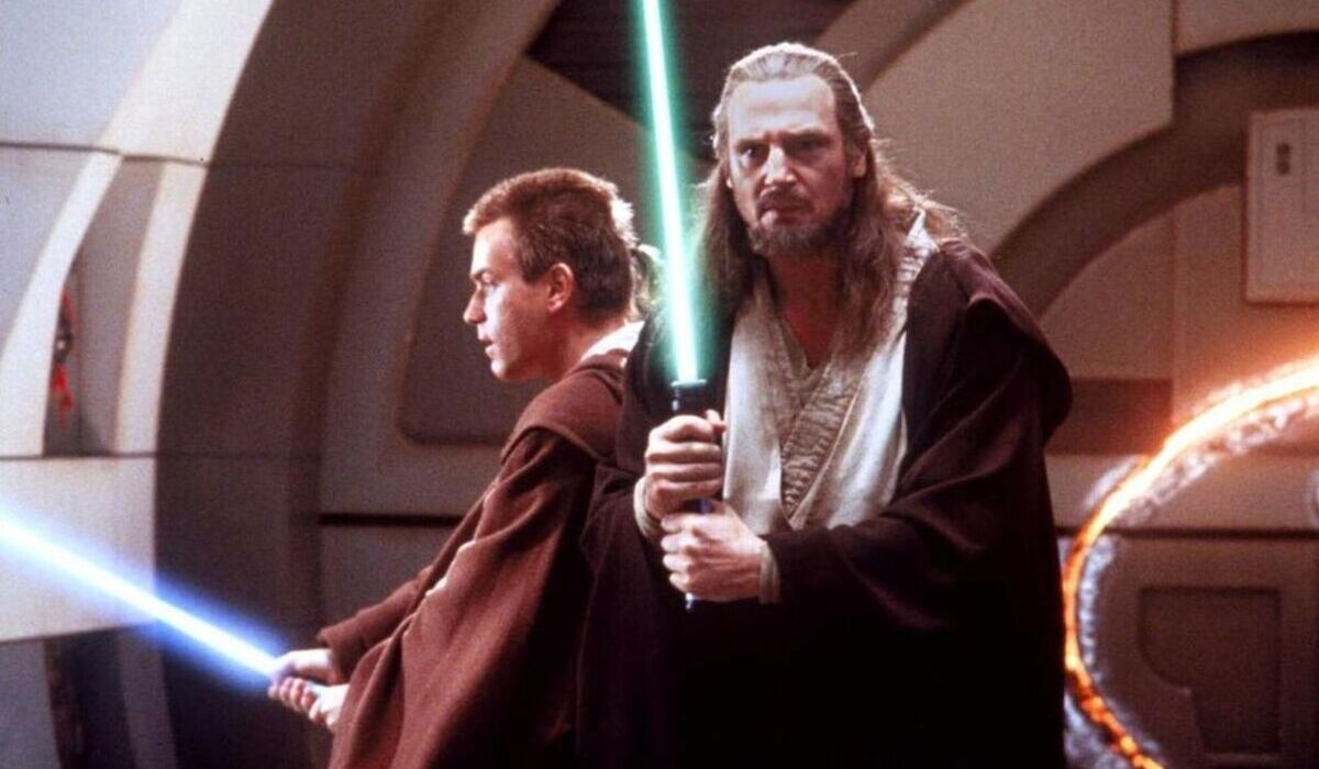 star wars the phantom menace obi wan and qui gon lightsabers