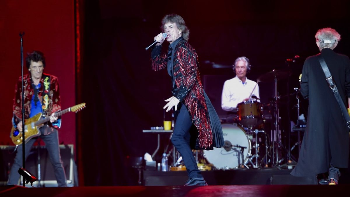 The Rolling Stones dedicate their first 2021 show to late drummer Charlie Watts