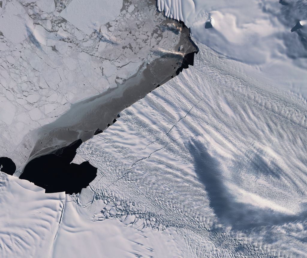 One of Antarctica's fastest-shrinking glaciers just lost an iceberg twice the size of Washington, D.C.