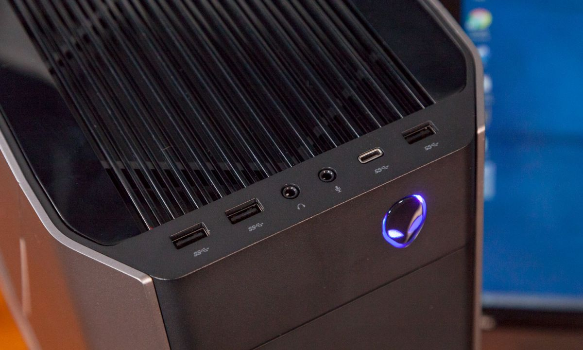 Alienware Aurora R7 Review: The Best Gaming PC Gets Better