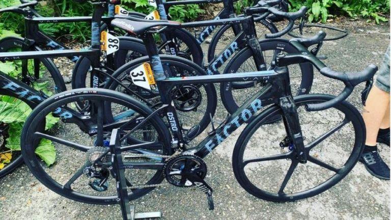 Factor five-spoke wheels