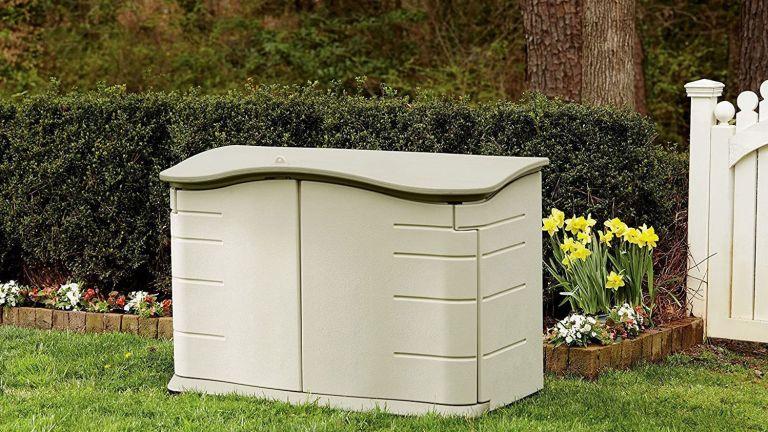 Best outdoor storage bins: Rubbermaid - FG374801OLVSS Small Horizontal Resin Weather Resistant Outdoor Garden Storage Shed