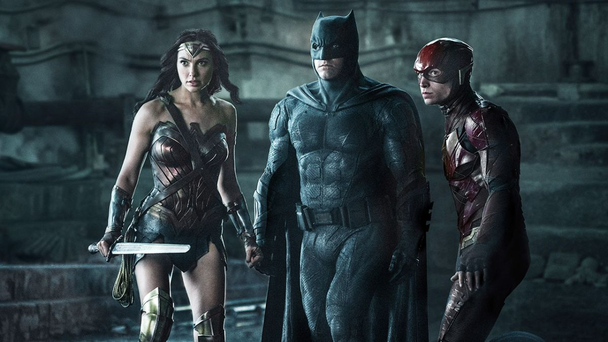Fans want the Justice League Snyder Cut so bad they've paid $20,000 to fly a banner over SDCC 2019