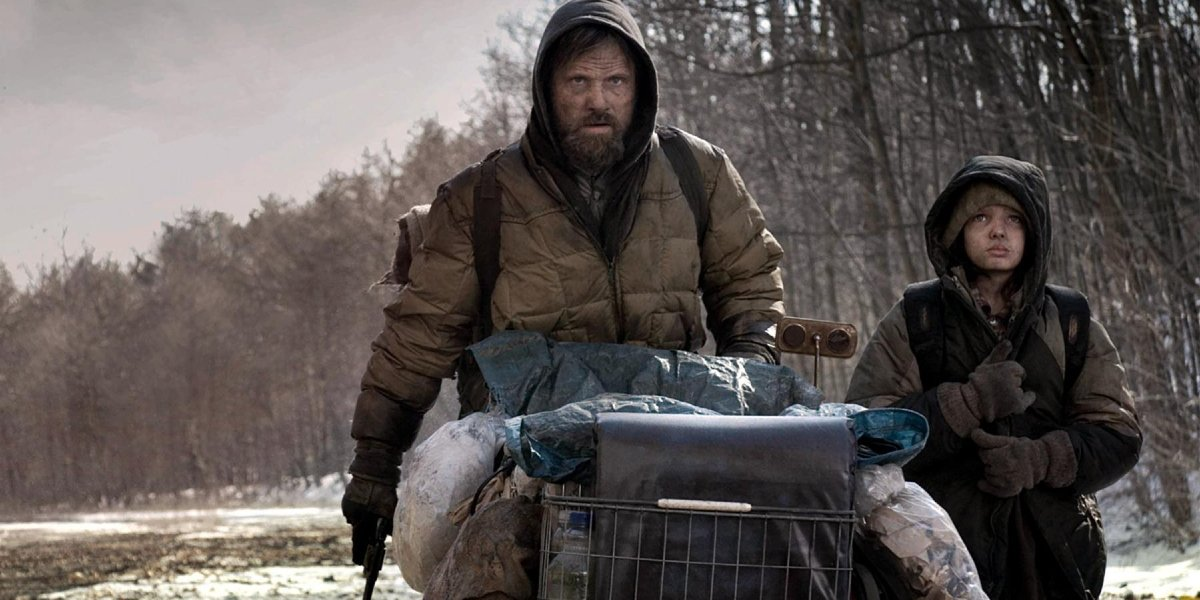 Viggo Mortensen and Kodi Smit-McPhee in The Road