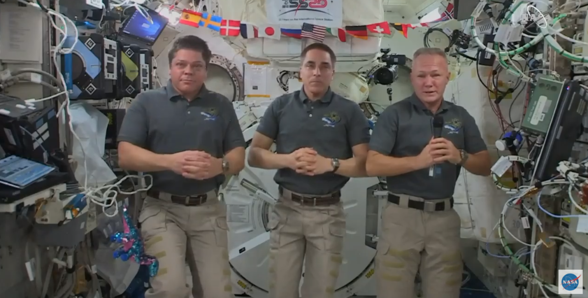 NASA astronauts set to ride a SpaceX Crew Dragon back to Earth for the 1st time this weekend