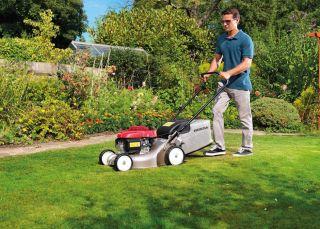 Best petrol lawn mowers guide