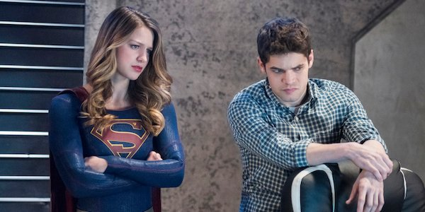 supergirl kara and winn season 3