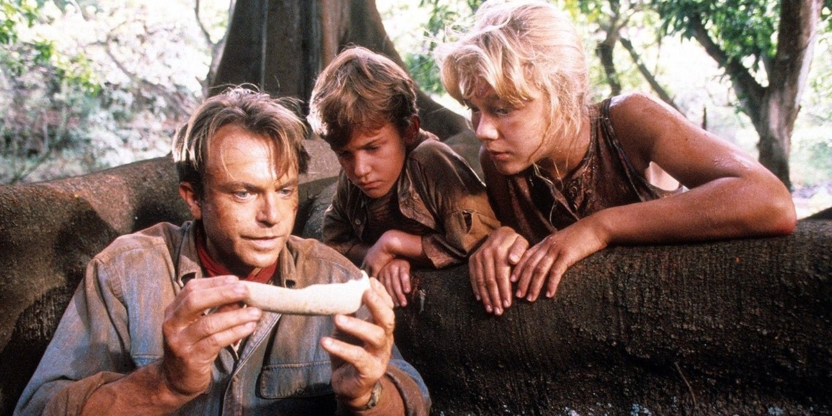 Dr. Grant shows Tim and Lex a dinosaur bone in 'Jurassic Park'