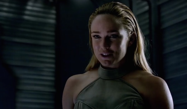 Legends Of Tomorrow First Look At Sara Lances New Female