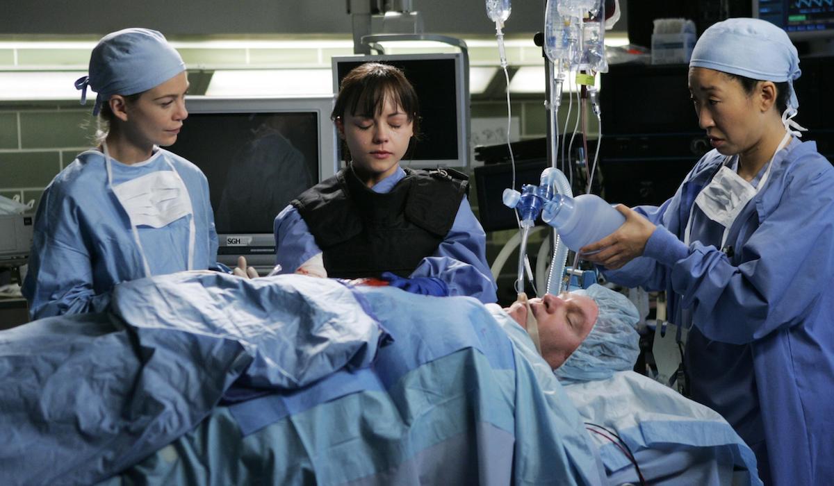 Ellen Pompeo, Christina Ricci and Sandra Oh in Grey's Anatomy season 2 finale