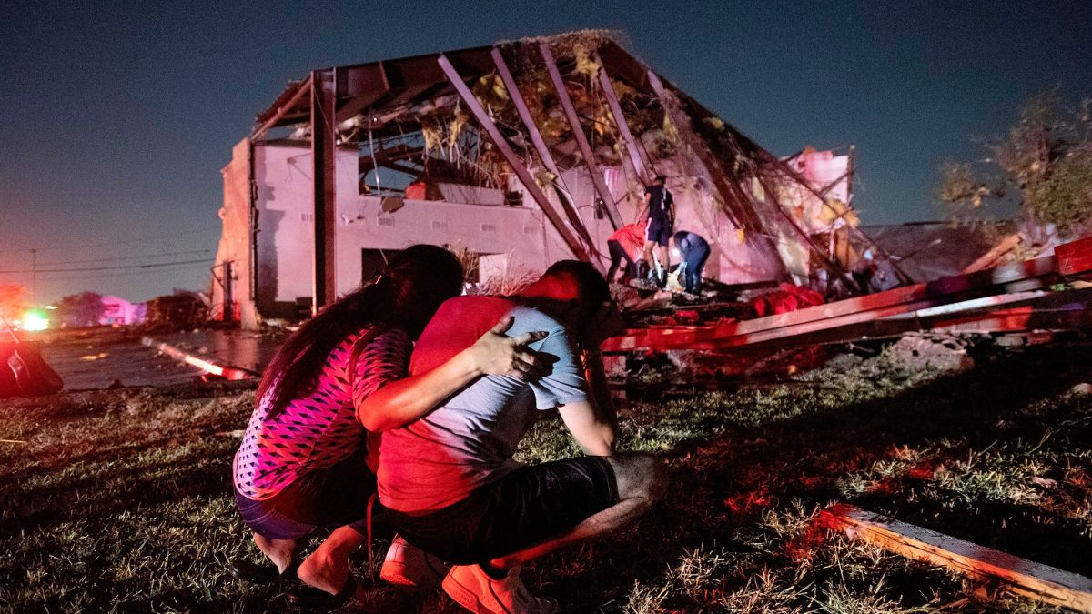 A Violent Tornado Hit Dallas Last Night, Throwing Debris 3 Miles High