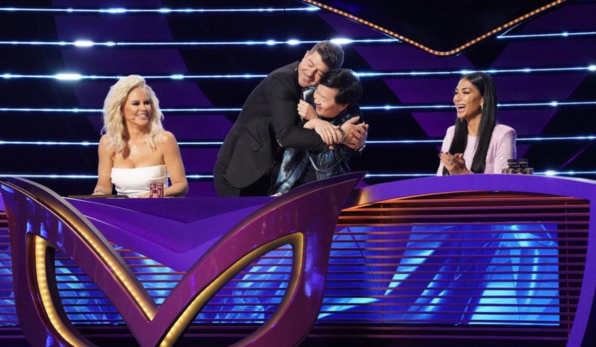 the masked singer season 3 judges hug fox