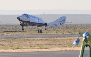 Virgin Galactic's SpaceShipTwo lands