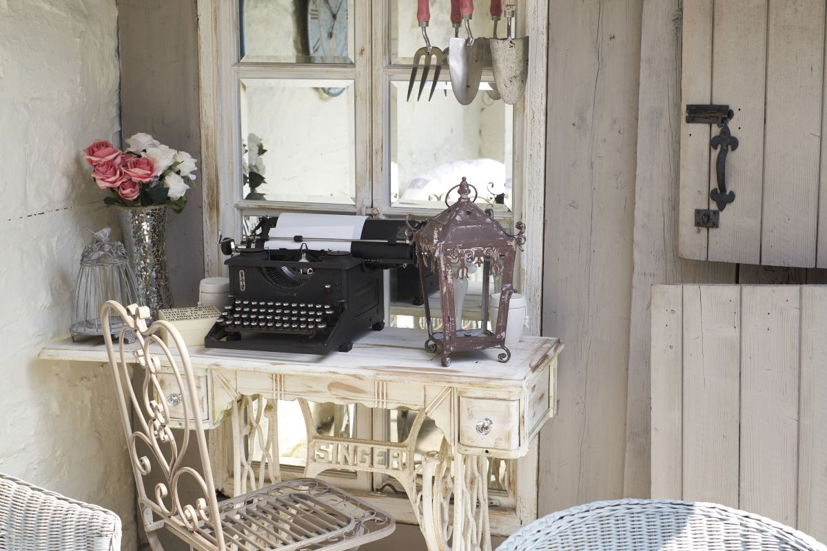 How To Create Vintage Paint Effects Real Homes