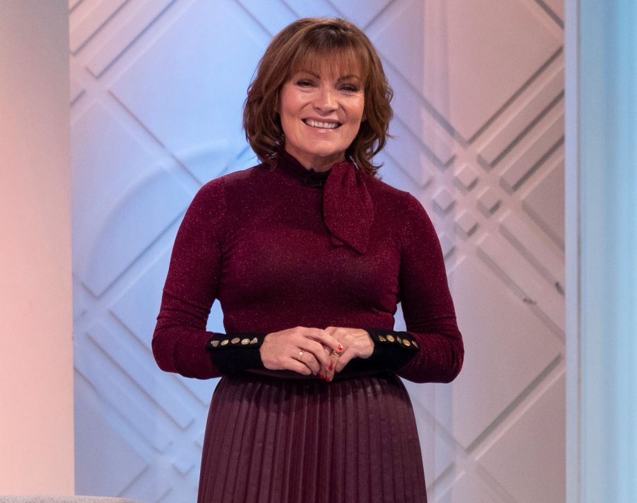 db4f5c8294 Lorraine Kelly wows in festive Marks & Spencer skirt