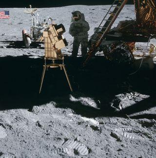 Astronaut Charlie Duke apollo 16