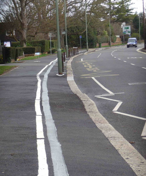 Epsom Road, Leatherhead, cycle lane amendment