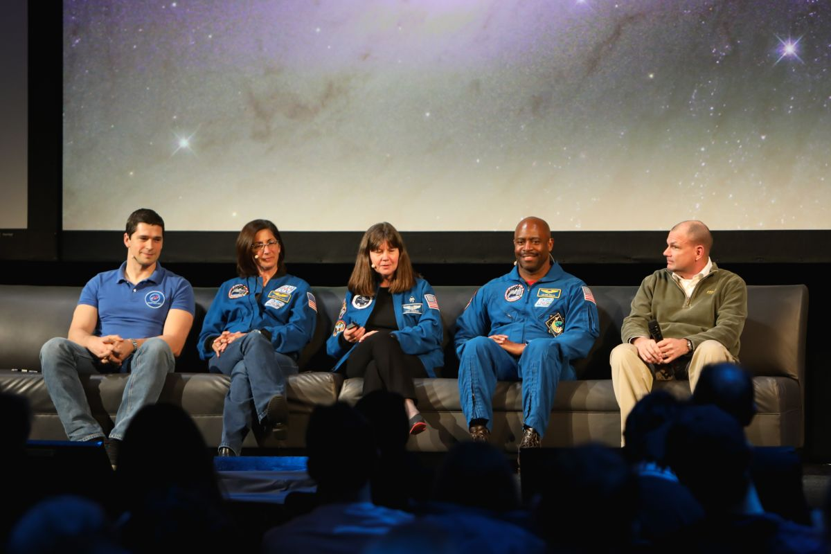 astronauts in space experience - photo #29