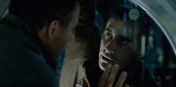 Ryan Reynolds and Jake Gyllenhaal in Life