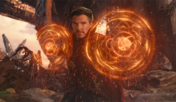 Doctor Strange setting up Mandala shields fighting against Thanos in Avengers: Infinity War