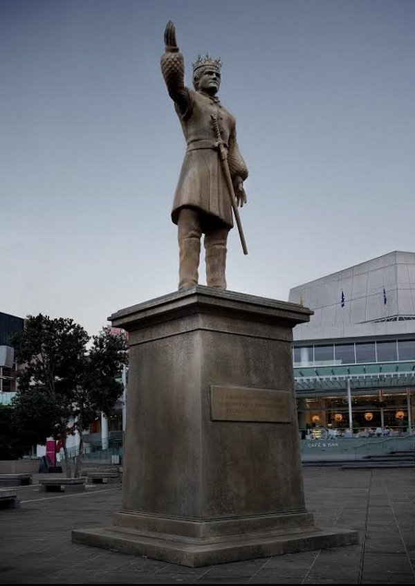 king joffrey statue