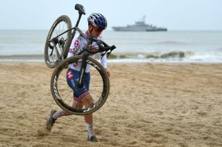 OOSTENDE BELGIUM JANUARY 31 Thomas Pidcock of United Kingdom Sea Sand Beach during the 72nd UCI CycloCross World Championships Oostende 2021 Men Elite UCICX CXWorldCup Ostend2021 CX on January 31 2021 in Oostende Belgium Photo by Luc ClaessenGetty Images