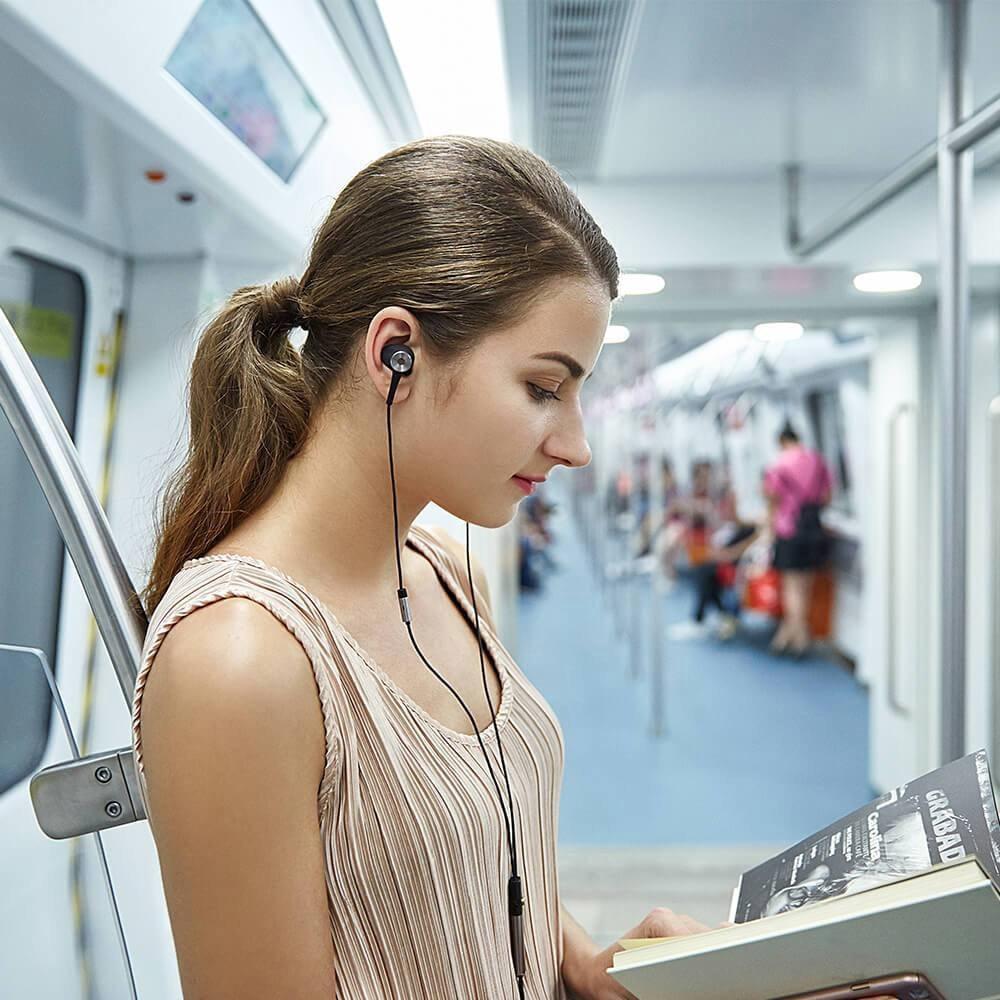 Os melhores fones de ouvido com cancelamento de ruído baratos: 1Mais fones de ouvido intra-auriculares com cancelamento de ruído ativo E1004