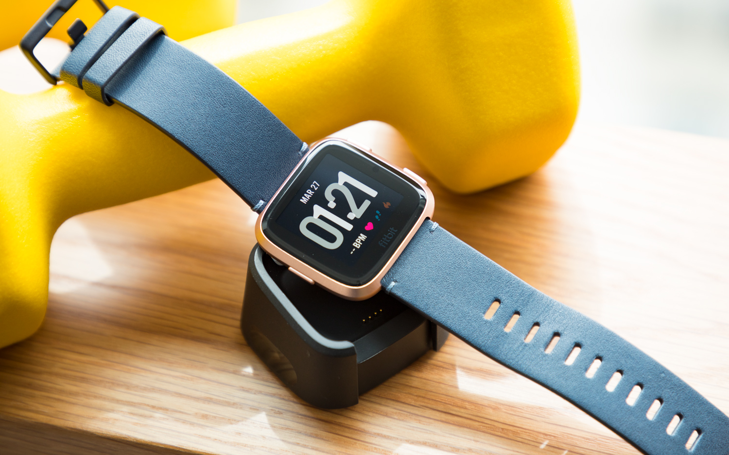 5 Reasons to Buy the Fitbit Versa (and 4 Reasons to Skip