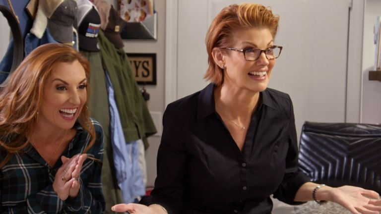 """MARRIAGE OR MORTGAGE HOSTS (L to R) SARAH MILLER and NICHOLE HOLMES in Episode """"A LITTLE BIT CLASSY AND TRASHY"""" from MARRIAGE OR MORTGAGE. Cr. Courtesy of NETFLIX/©NETFLIX 2021"""