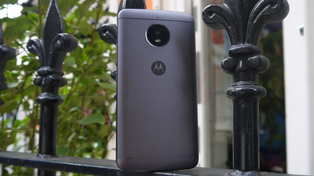 Here's what the Moto E5 and Moto E5 Plus will probably look like