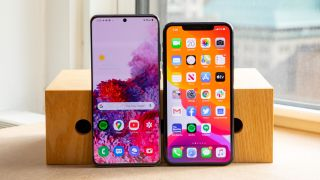 Samsung Galaxy S20 Ultra (left) versus iPhone 11 Pro Max