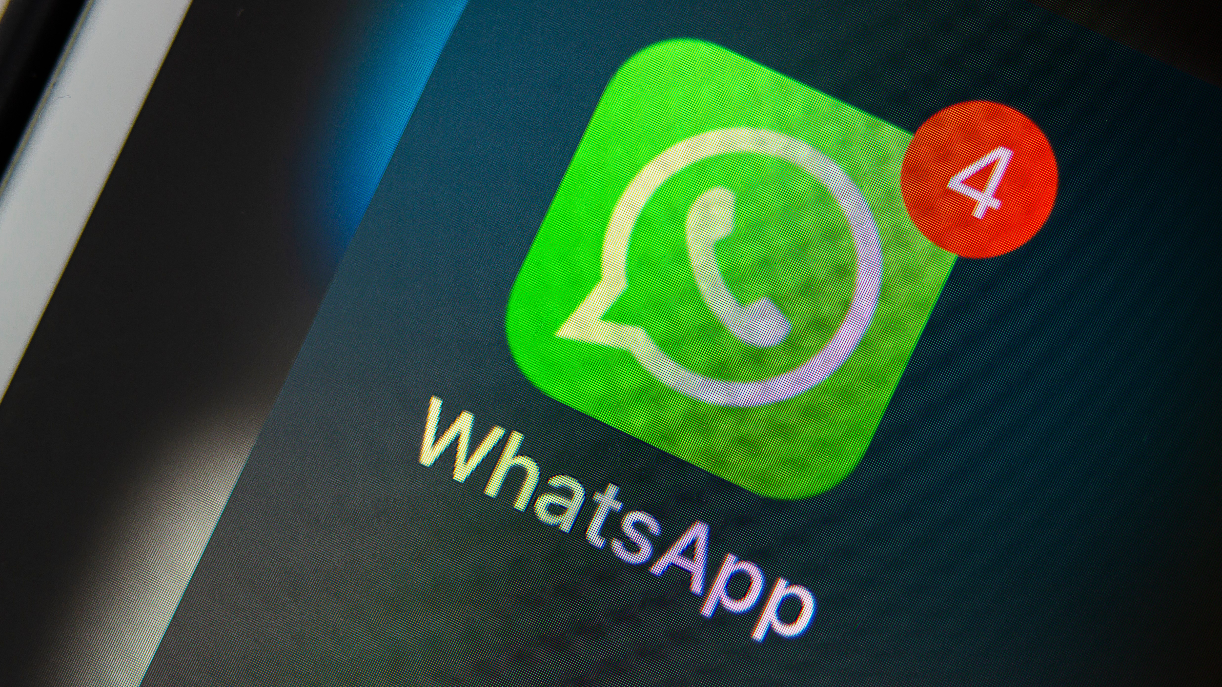 WhatsApp's flaw allows stalkers to track you easily