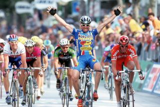 Ivan Quaranta wins in Cesenatico on the 1999 Giro d'Italia.