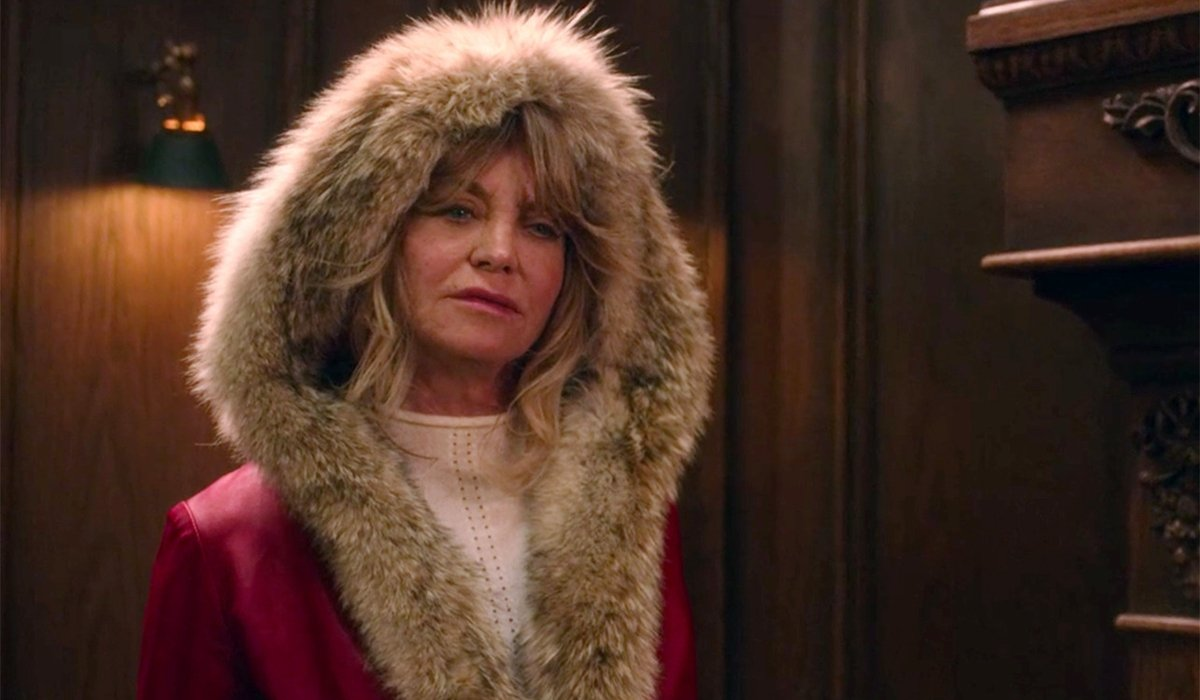 The Christmas Chronicles Goldie Hawn wearing a hooded coat