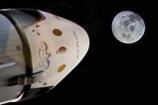 SpaceX's Dragon Heads for the Moon