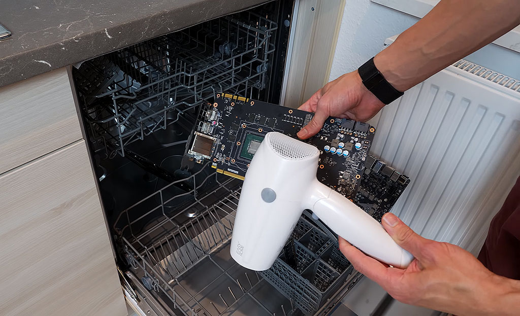 Professional overclocker Der8auer cleans his components in